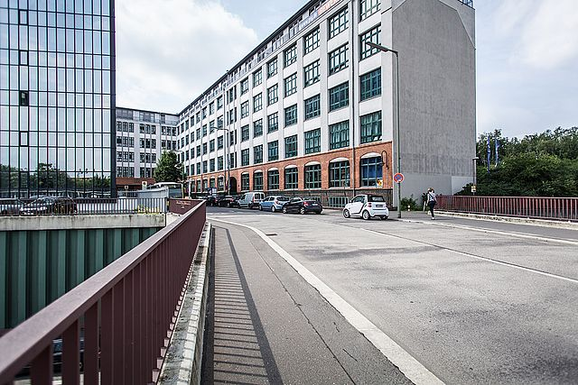 """The uni-assist offices are located in Berlin-Tempelhof, directly at the train station """"Berlin-Südkreuz""""."""